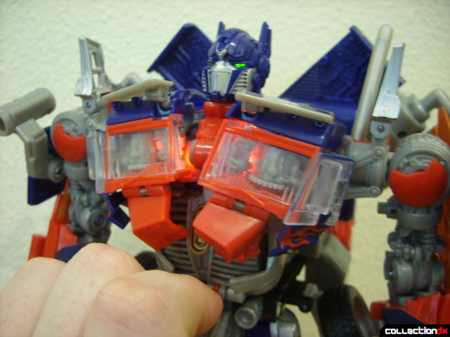Leader-class Autobot Optimus Prime- robot mode (Mech Alive in torso, LEDs on)