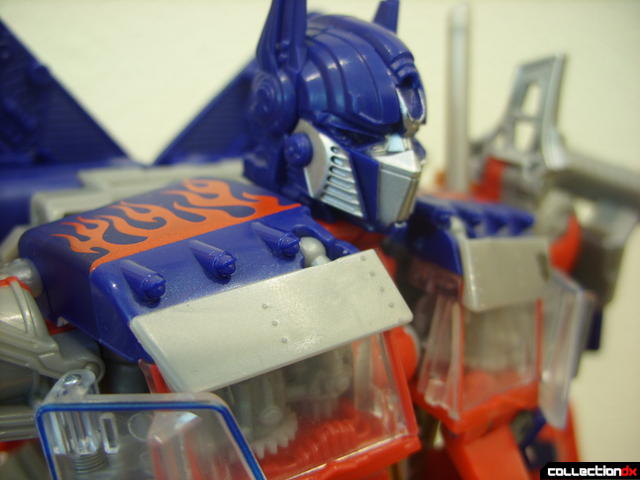 Leader-class Autobot Optimus Prime- robot mode (sunvisors, lowered)