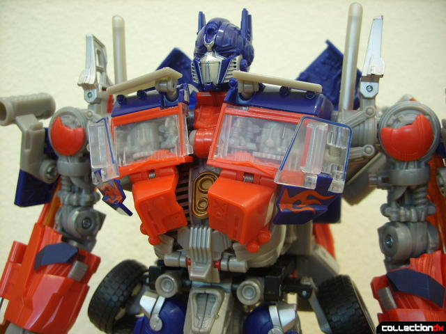 Leader-class Autobot Optimus Prime- robot mode (upper torso detail)