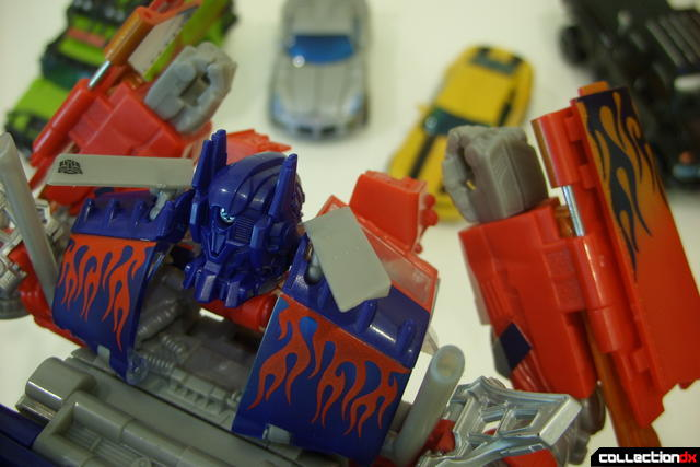 Leader-class Autobot Optimus Prime- robot mode posed (scene from 2007 movie)