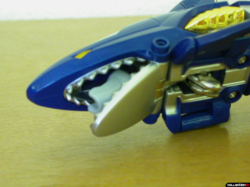 Gao Shark (mouth open, wheel up)