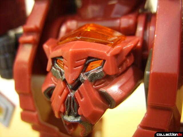 Voyager-class Decepticon Demolishor- robot mode (head detail)