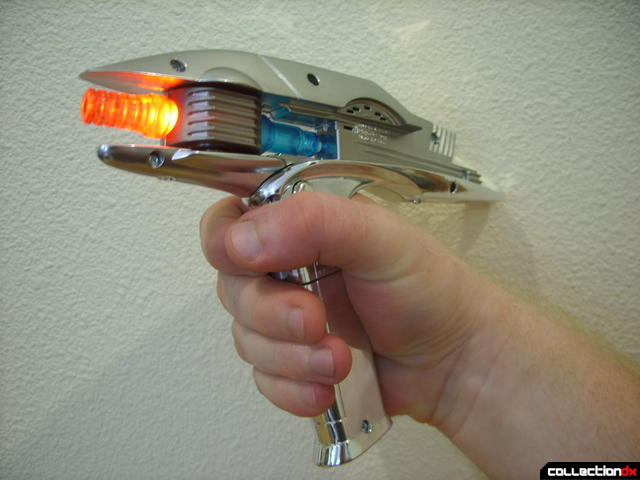 Starfleet Phaser (firing in Vaporize mode)