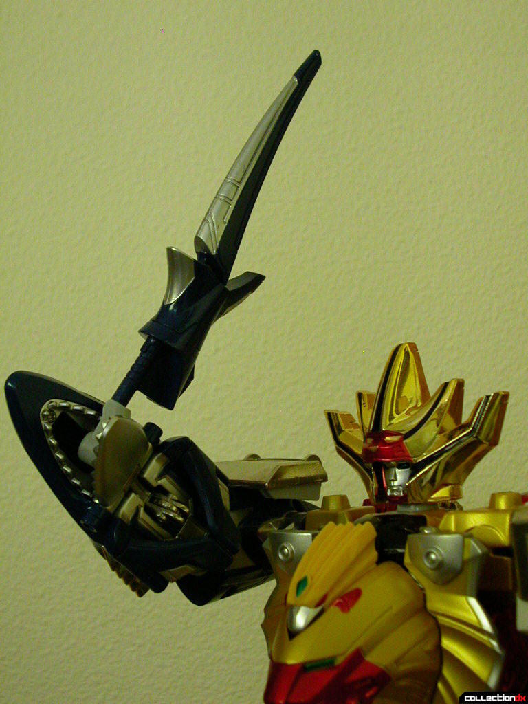 Hyakujuu Gattai Gao King- posed with Fin Blade