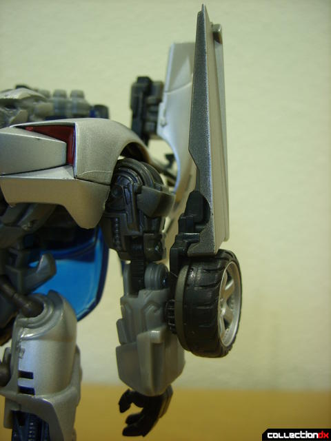 RotF Deluxe-class Sideswipe- robot mode (left arm detail, sword retracted)