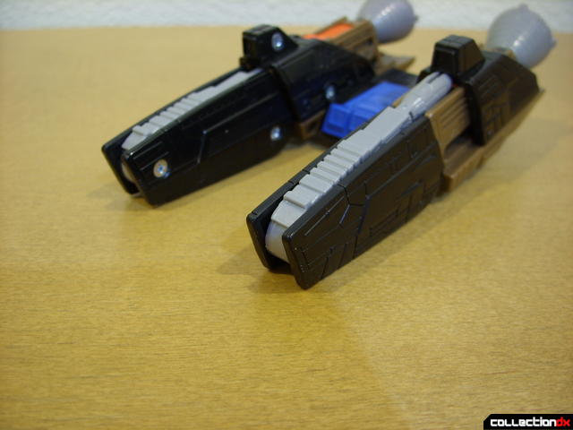 Autobot Tread Bolt accessories (booster detail, extending cannon 3-4)