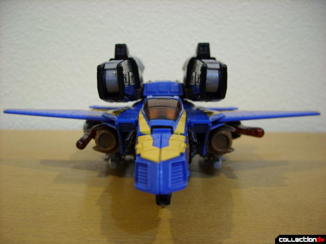 Autobot Tread Bolt with armor- vehicle mode (front profile)