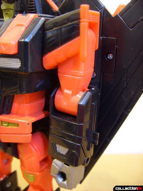 Decepticon Skyfall- robot mode (left arm detail)