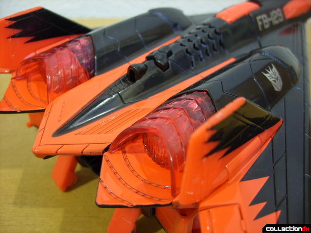 Decepticon Skyfall- vehicle mode (engine detail, back)