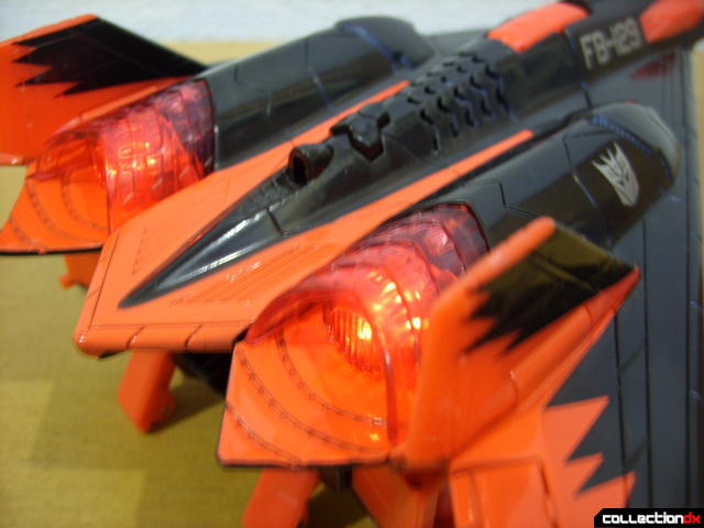 Decepticon Skyfall- vehicle mode (engine detail, back, lit)