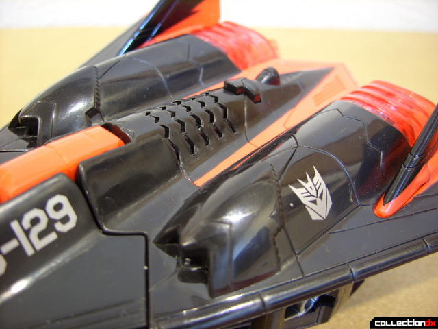 Decepticon Skyfall- vehicle mode (engine detail, front)