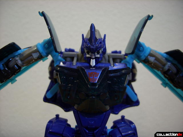 RotF Deluxe-class Autobot Jolt- robot mode (front view, shoulders in optional raised position)