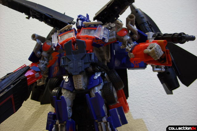 RotF Power-Up Optimus Prime posed (2)