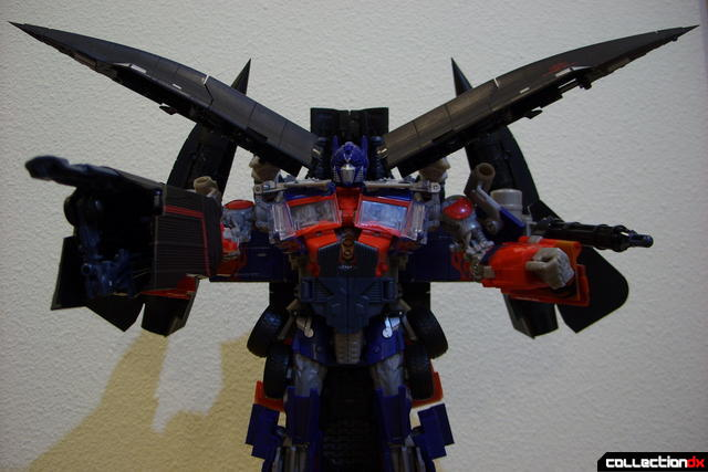 RotF Power-Up Optimus Prime posed (1)