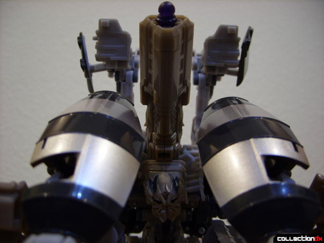 RotF Voyager-class Decepticon Mixmaster- attack mode (front detail, alt)