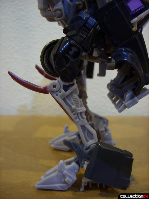 RotF Voyager-class Decepticon Mixmaster- robot mode (legs in left profile)