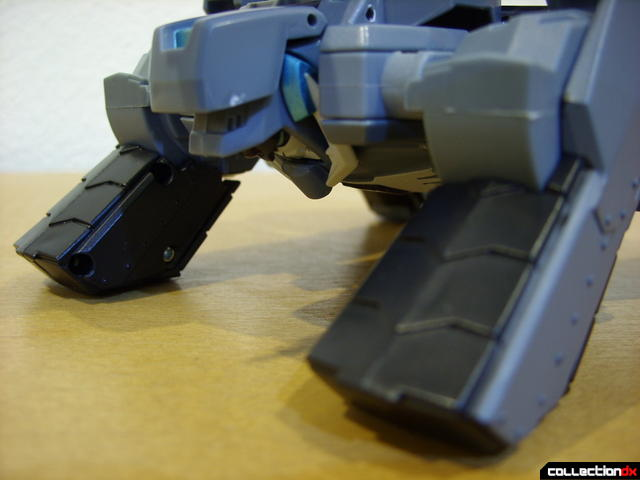 Animated Voyager-class Decepticon Shockwave- crane mode (front tractor detail)