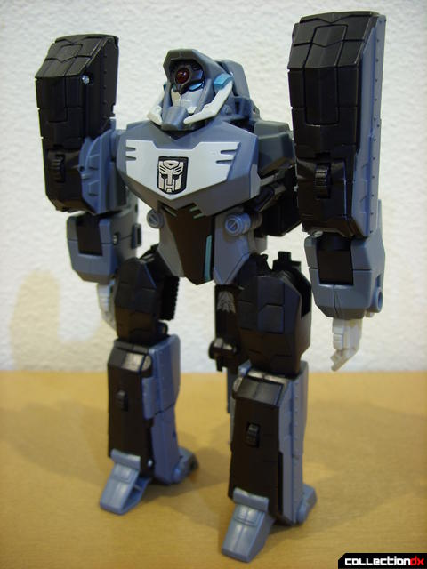 Animated Voyager-class Decepticon Shockwave- Longarm form (front)