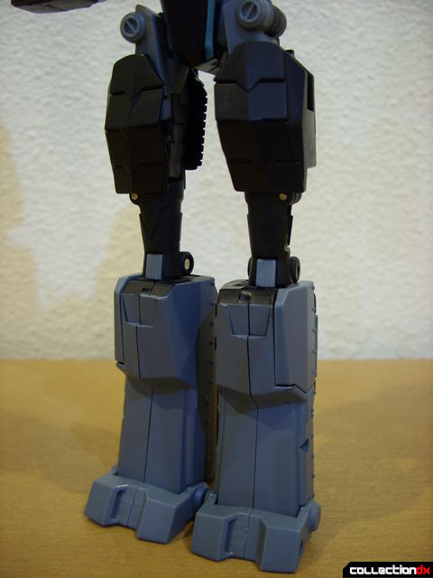 Animated Voyager-class Decepticon Shockwave- Shockwave form (legs)