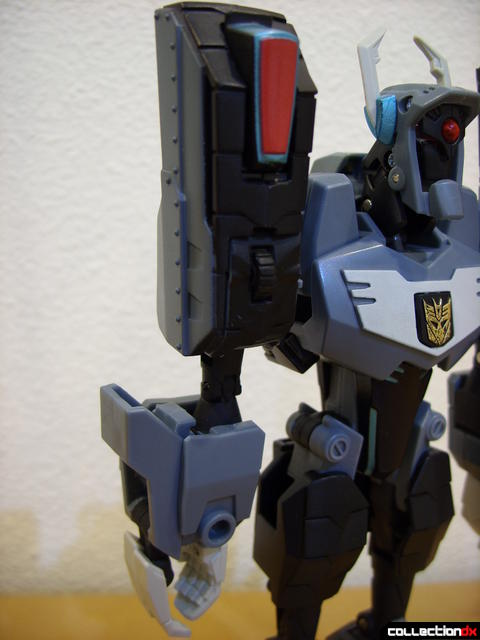 Animated Voyager-class Decepticon Shockwave- Shockwave form (right arm)