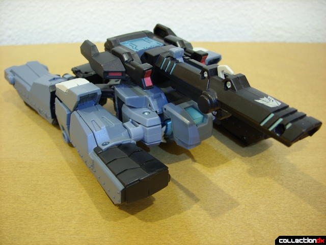 Animated Voyager-class Decepticon Shockwave- tank mode (front)
