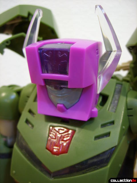 Animated Leader-class Autobot Bulkhead- Headmaster unit (chest lights off)