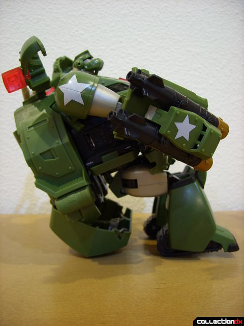 Animated Leader-class Autobot Bulkhead- kibble chair (1)