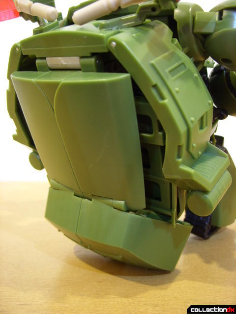 Animated Leader-class Autobot Bulkhead- kibble chair (2)