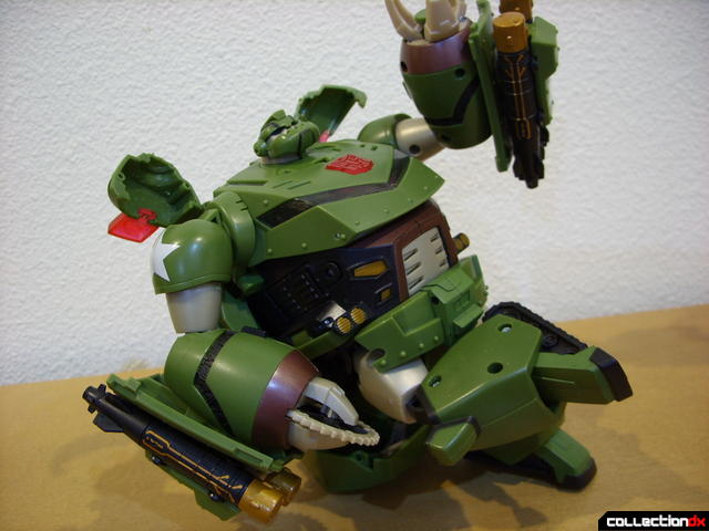 Animated Leader-class Autobot Bulkhead- kibble chair (posed)