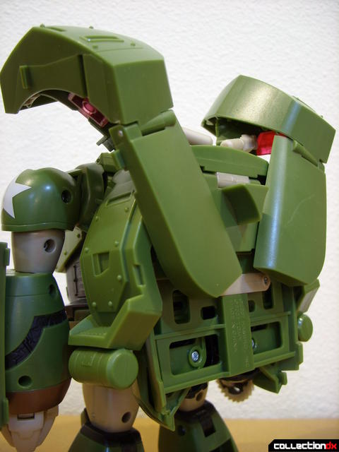 Animated Leader-class Autobot Bulkhead- robot mode (back detail)