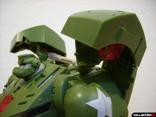 Animated Leader-class Autobot Bulkhead- robot mode (back kibble detail)