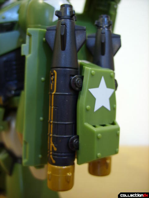 Animated Leader-class Autobot Bulkhead- robot mode (left 'air torpedo' launcher)