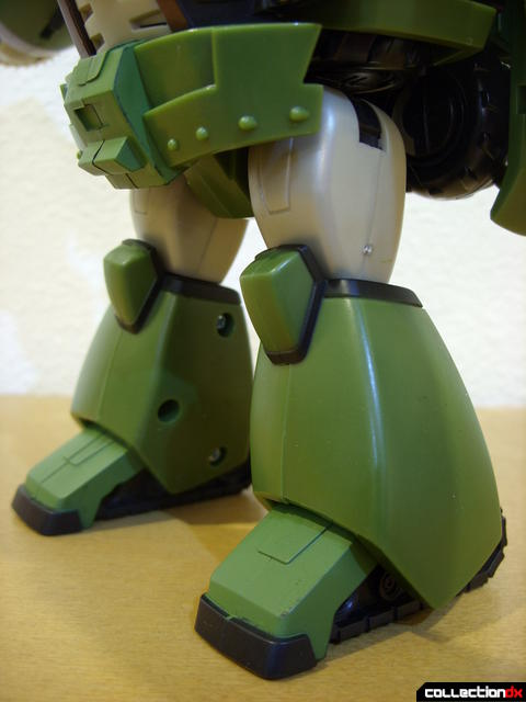 Animated Leader-class Autobot Bulkhead- robot mode (legs)