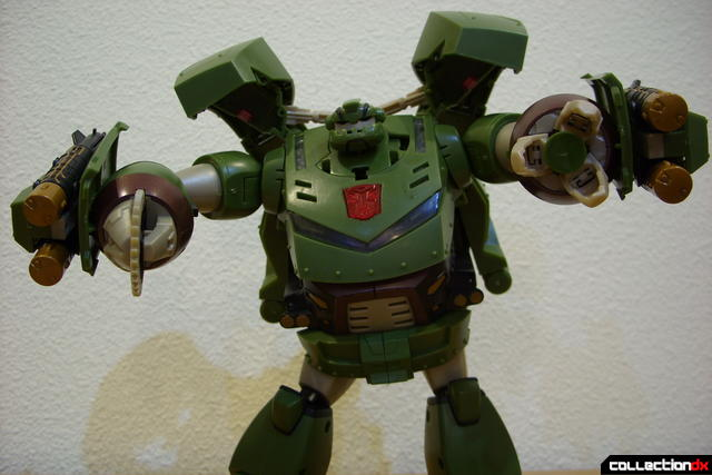 Animated Leader-class Autobot Bulkhead- robot mode posed (1)
