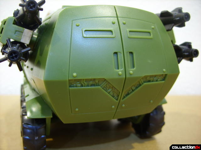 Animated Leader-class Autobot Bulkhead- vehicle mode (back detail)