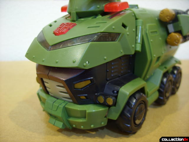 Animated Leader-class Autobot Bulkhead- vehicle mode (front detail)