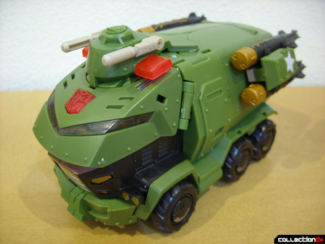 Animated Leader-class Autobot Bulkhead- vehicle mode (front)