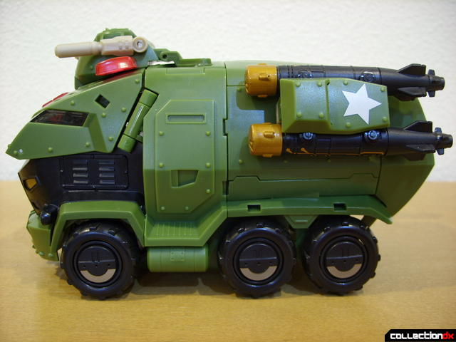 Animated Leader-class Autobot Bulkhead- vehicle mode (left profile)