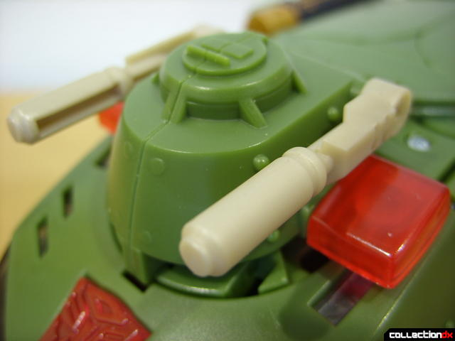 Animated Leader-class Autobot Bulkhead- vehicle mode (turret detail)