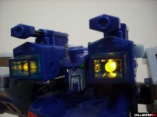 Animated Leader-class Autobot Ultra Magnus- robot mode (shoulder cannons lit)