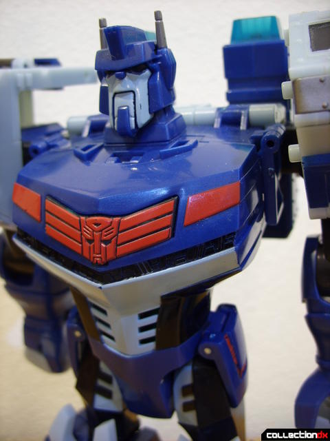Animated Leader-class Autobot Ultra Magnus- robot mode (torso detail)