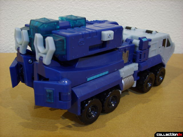 Animated Leader-class Autobot Ultra Magnus- vehicle mode (back)