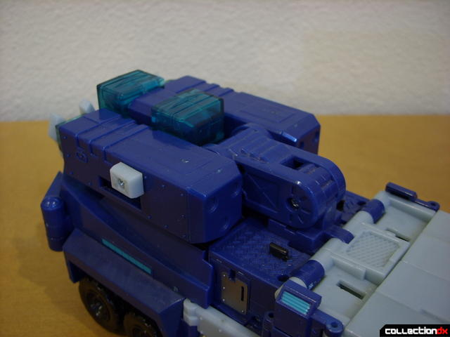 Animated Leader-class Autobot Ultra Magnus- vehicle mode (cannons retracted)