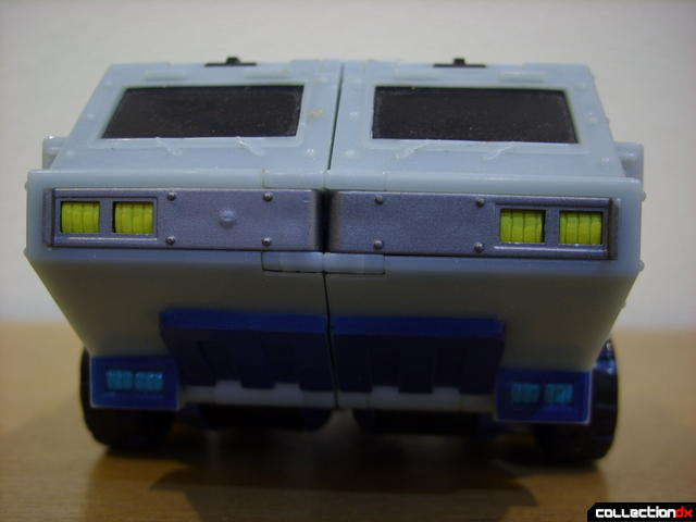 Animated Leader-class Autobot Ultra Magnus- vehicle mode (front detail)