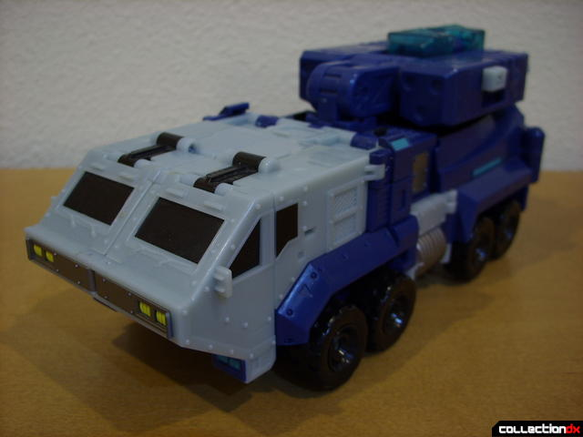 Animated Leader-class Autobot Ultra Magnus- vehicle mode (front)