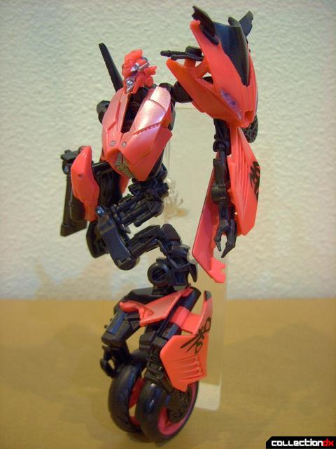 RotF Deluxe-class Autobot Arcee- robot mode (front)