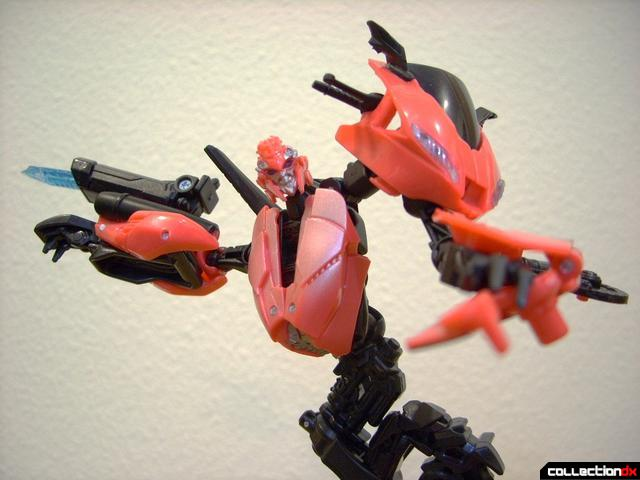 RotF Deluxe-class Autobot Arcee- robot mode posed (4)