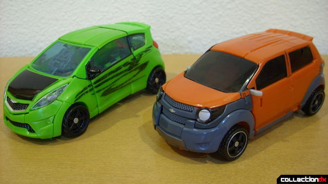 RotF Deluxe-class Autobot brothers Skids (L) and Mudflap (R) Mudflap in vehicle mode (1)