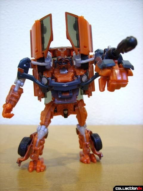 RotF Deluxe-class Autobot Mudflap- robot mode posed (3)