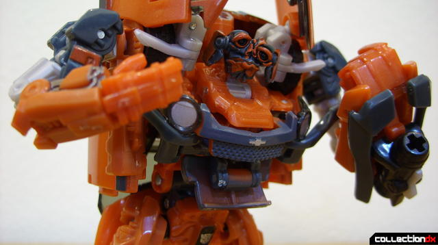 RotF Deluxe-class Autobot Mudflap- robot mode posed (4)